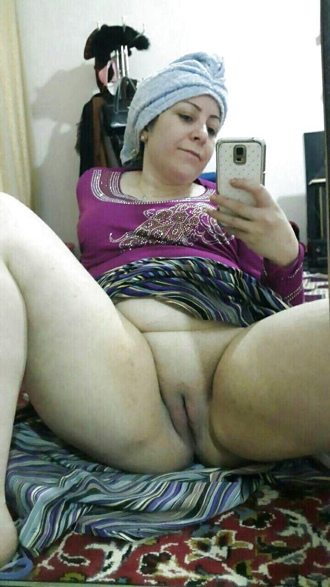 turkish-mature-porn-yasmine-has-sexy-boobs