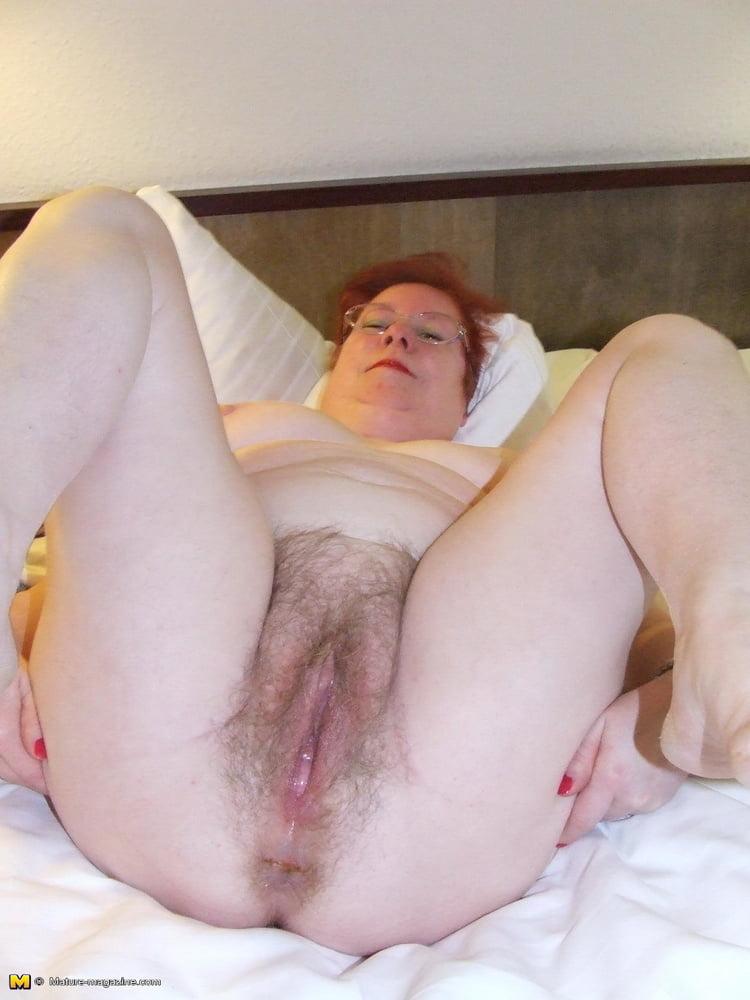 Amateur Hairy Chubby Wife