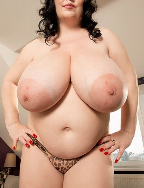 fat-naked-titts-dildo-squirts-cum