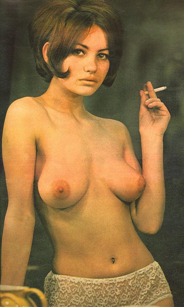 Vintage topless woman!!!