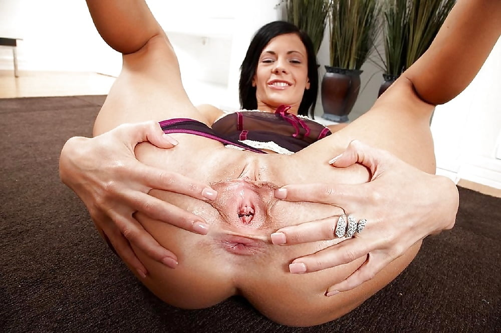 Mature open ass free thumbs