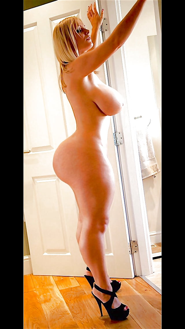 Nude thick women in heels — pic 9