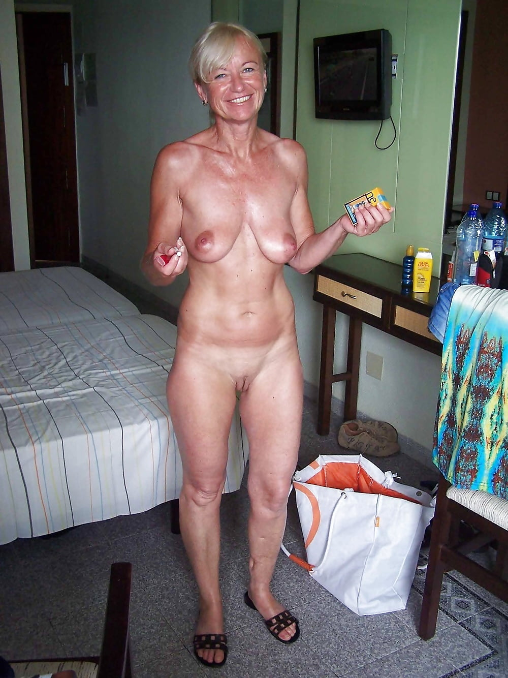 Hot amateur seniors nude, martha smith nude