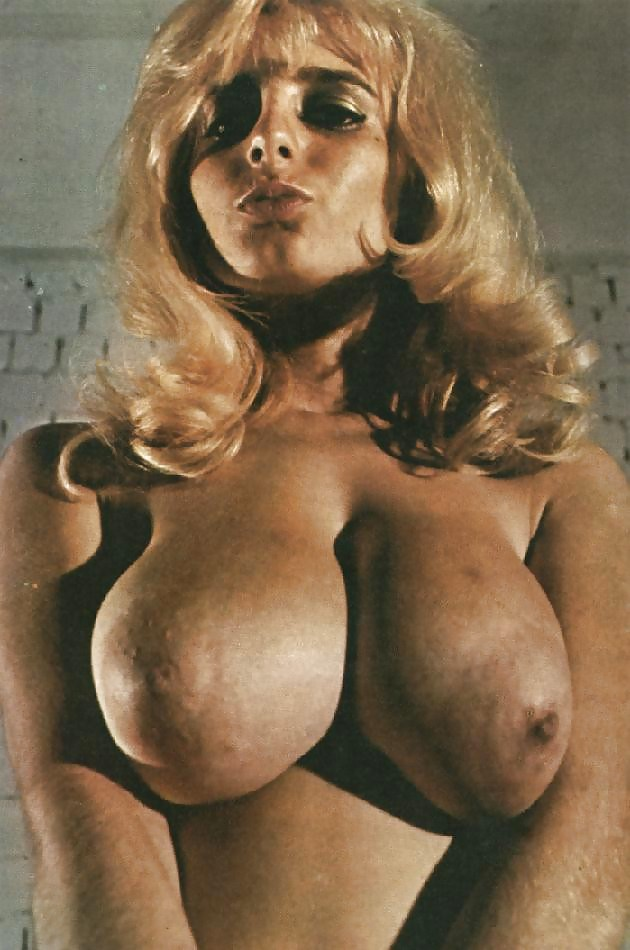 Kinky vintage boobs