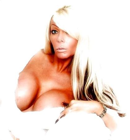 walker boob Lea
