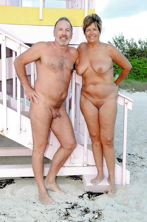 Amatuer naked women photos
