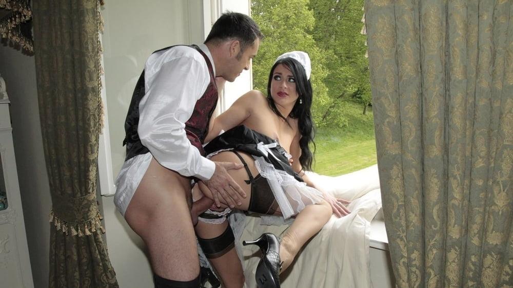 Kinky bimbos have some lesbian fun sex galeries