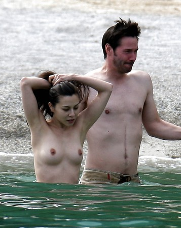 amanda tapping topless