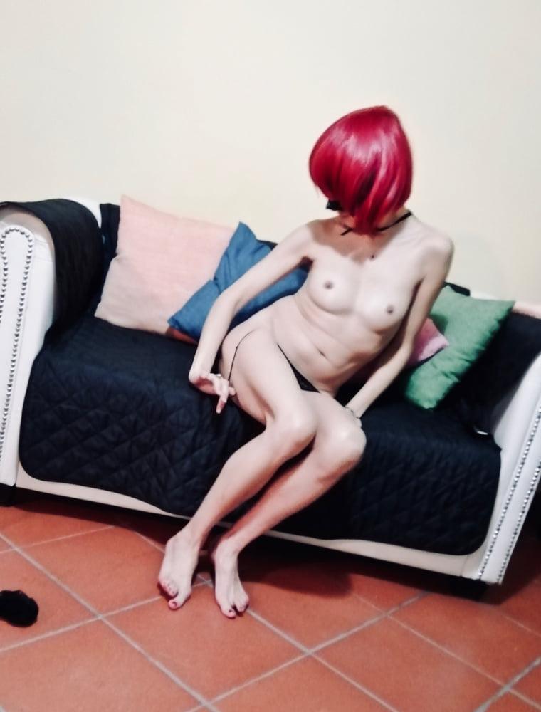 Maja Amateur wife playing with dildo