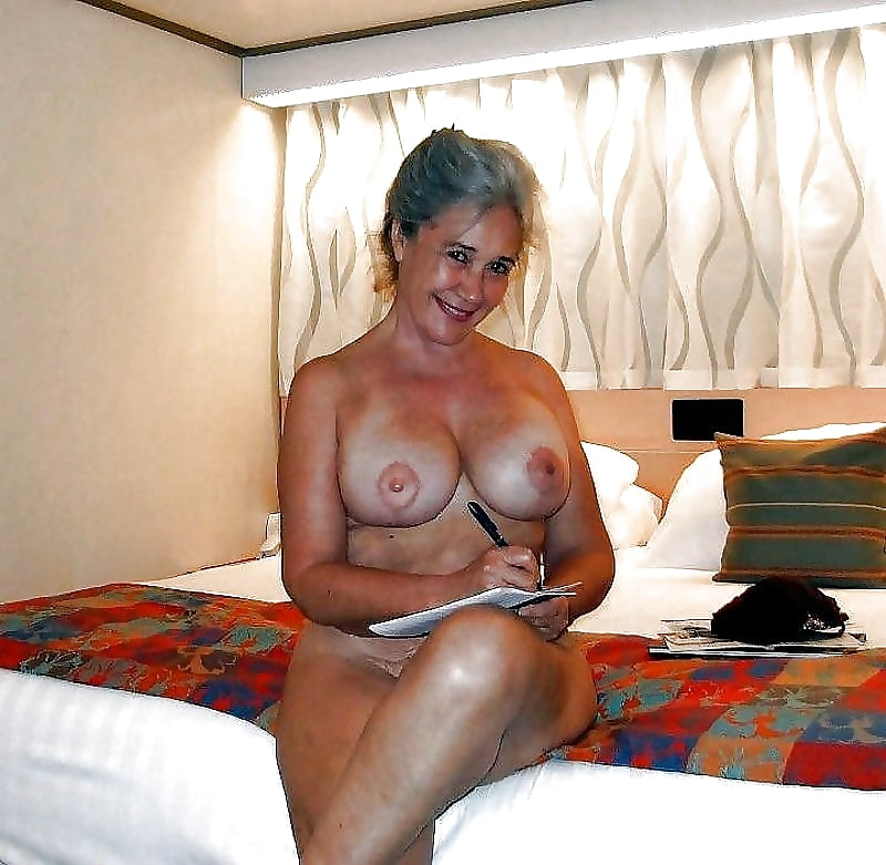 sexy-naked-busty-milfs-and-gilfs
