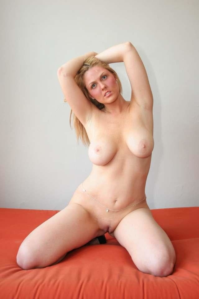 Naked sexy blond women