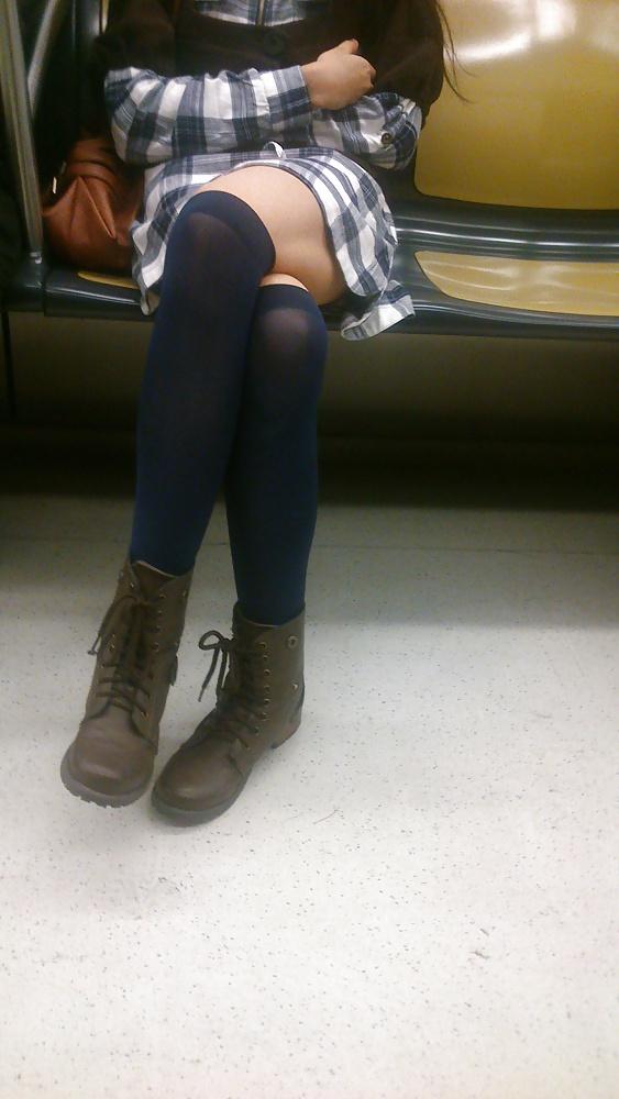 Rubia cheta piernas perfectas y linda cola - 3 part 2