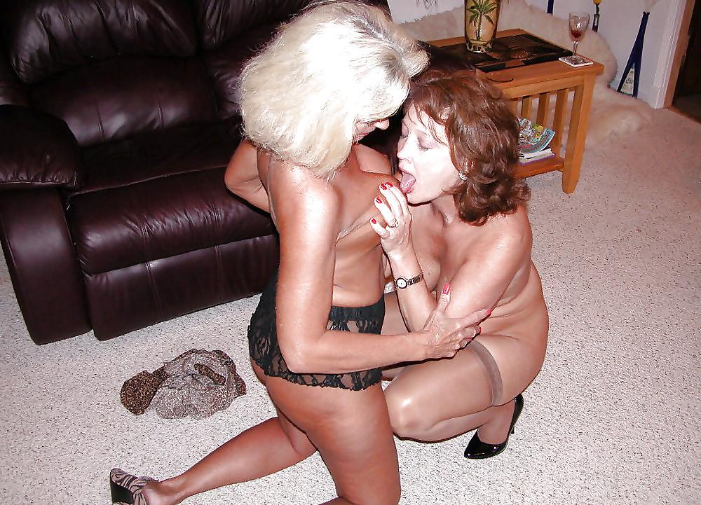 Classy mature lesbian