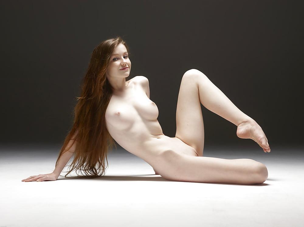 Emily Bloom Erotic Curvy Erotic 1