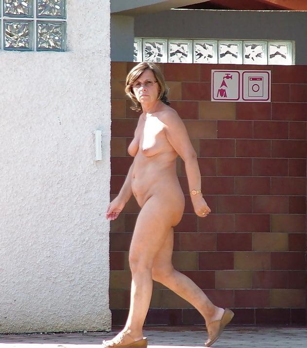 Moms walks around naked — img 14