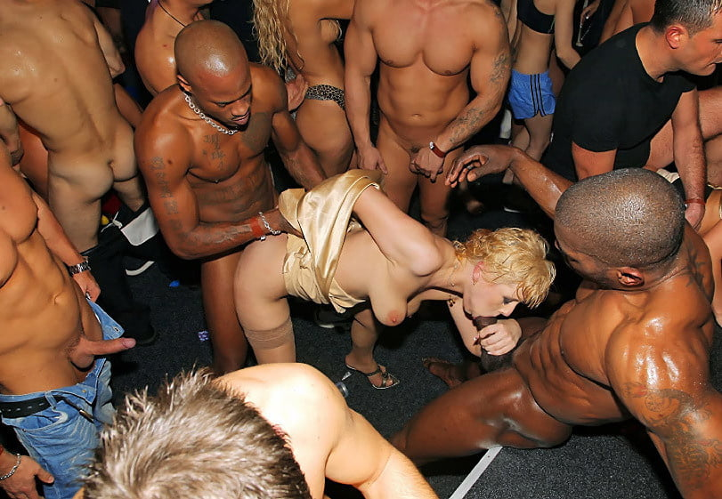 Athletes sex party, mature young couples