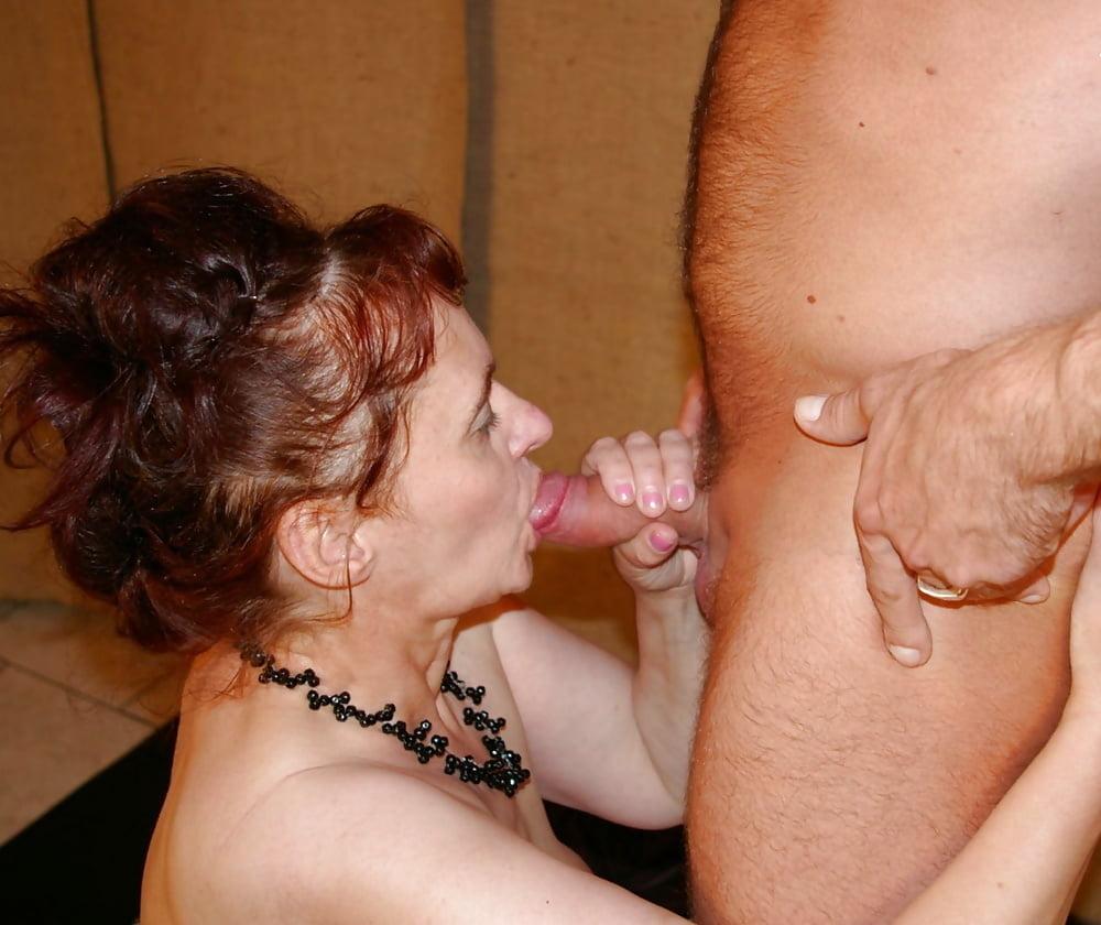 seks-foto-starushki-sosut-chlen-rivas-foto-trah