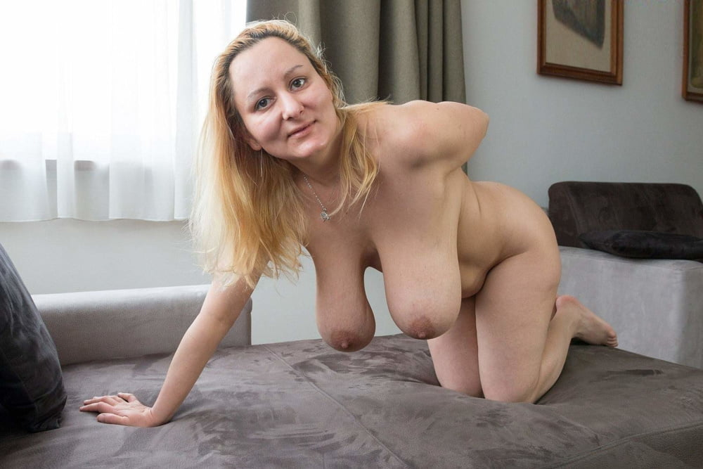 Free amateur wife saggy tits