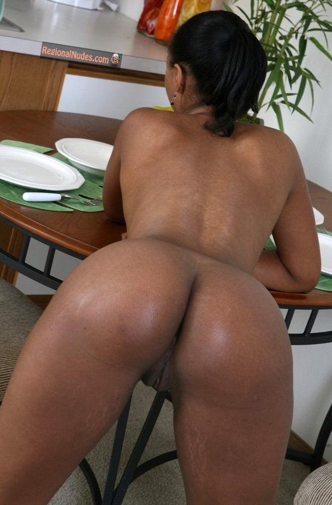 cuban-ass-nude