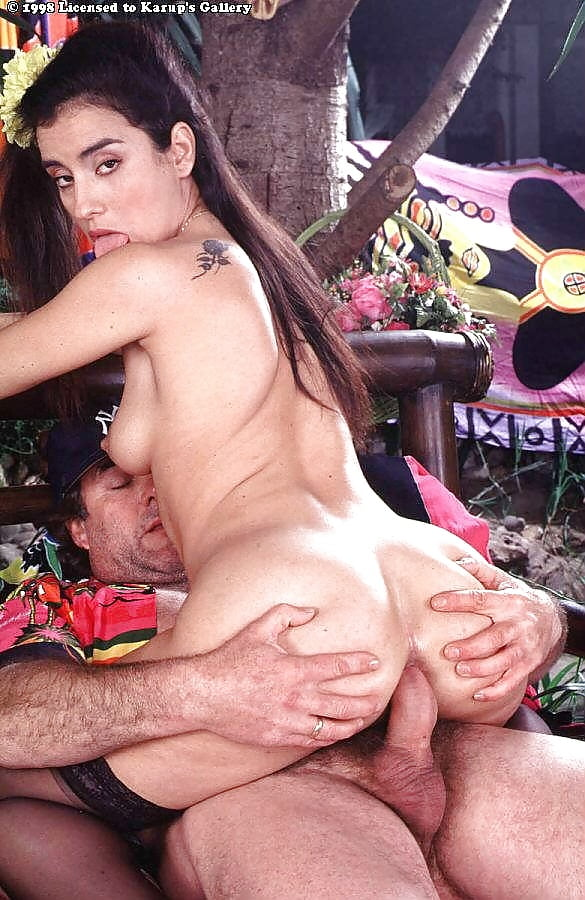 Holly marie combs free porn photos, pics of rough hardcore sex