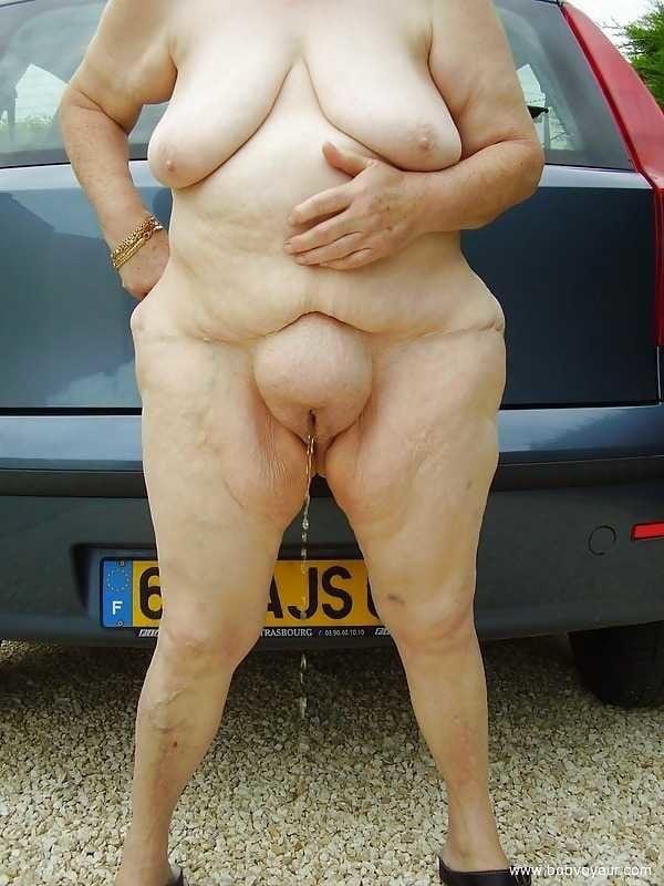 chubby-nude-cameltoe-pics