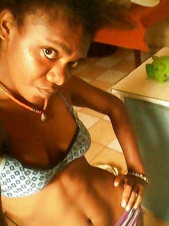 papua new guinea teen pose