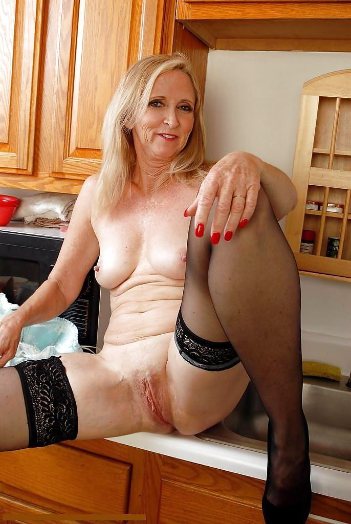 reynolds-sex-user-mature-pictures-lesbian