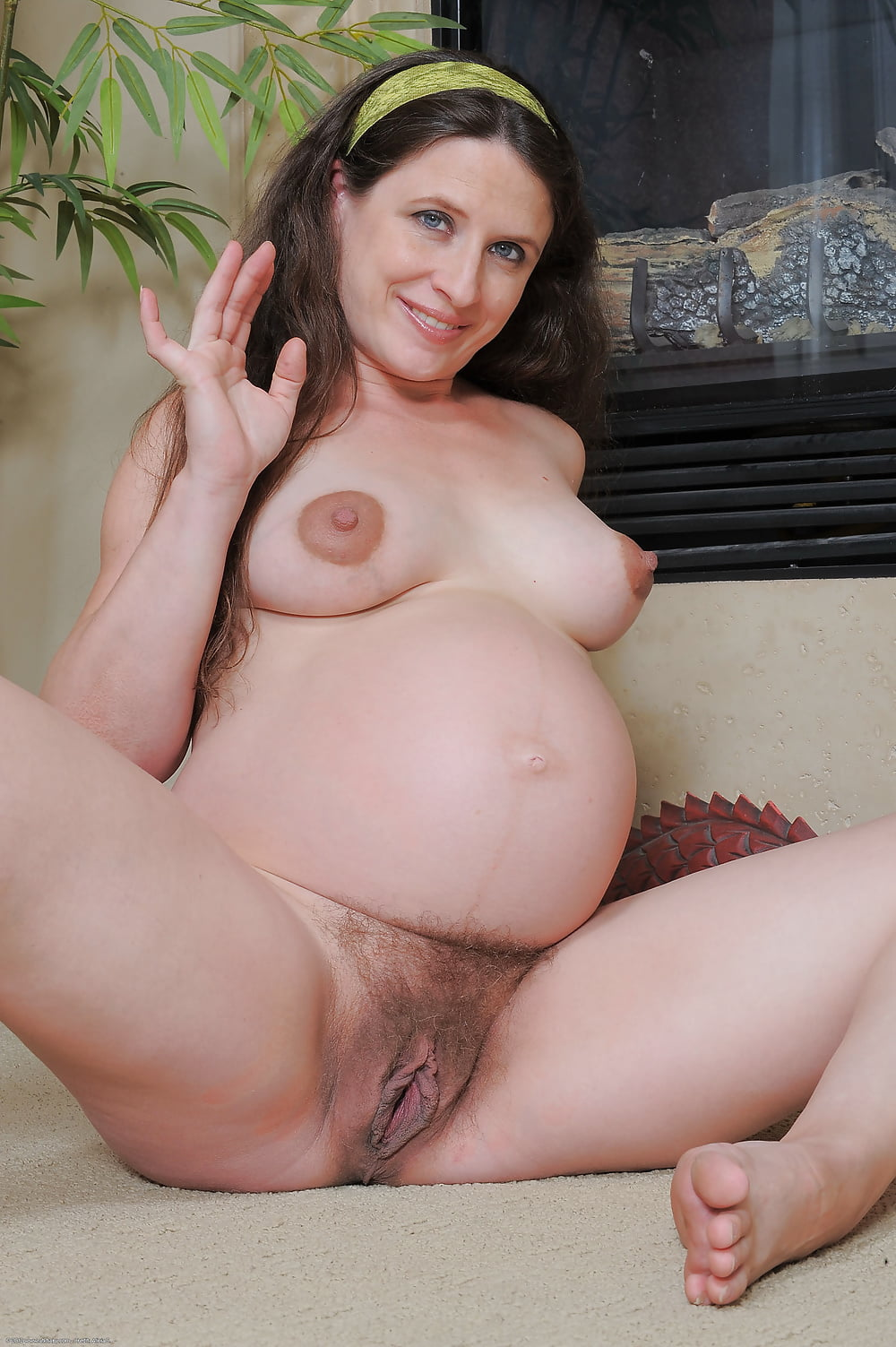 pregnant-milf-pussy-eating-pics