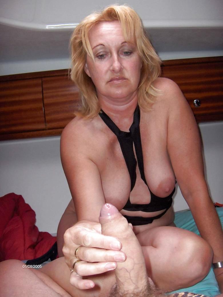Muscle Mature Handjob Porn Pics