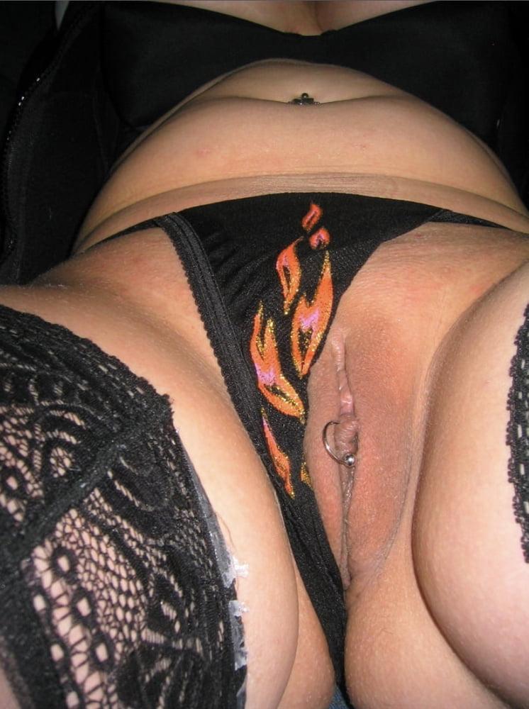 One Hot Chic! - 7 Pics