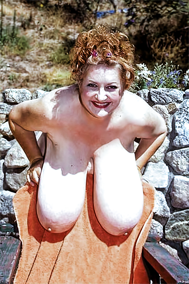 Wonderful swinging tits