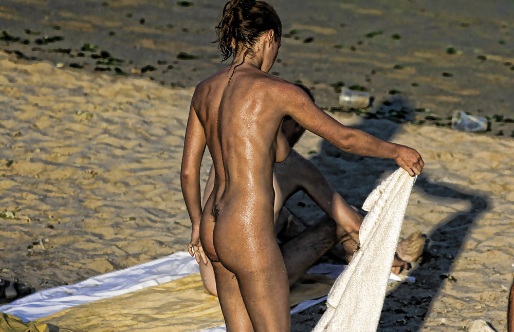 Beach fun naked-8445