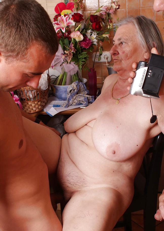 lav-pensioneri-i-molodie-seks