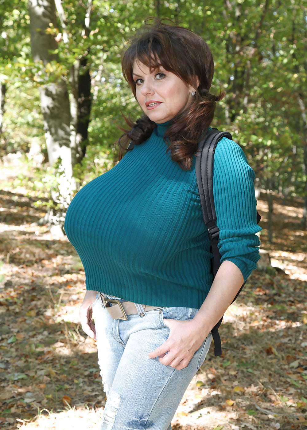 Big Boobs In Tight Sweaters