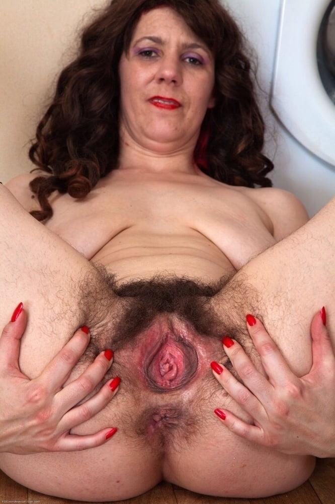 Hairy vagina old lady 14