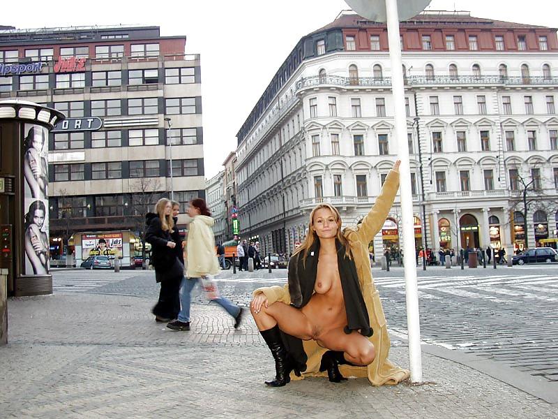 Кристина порно на улицах праги большая