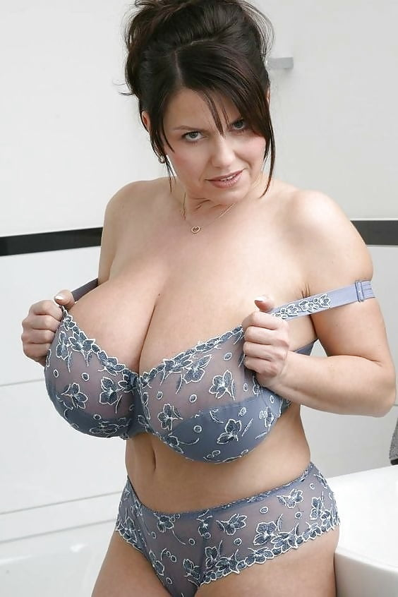 Busty bunny from bra busters model nude
