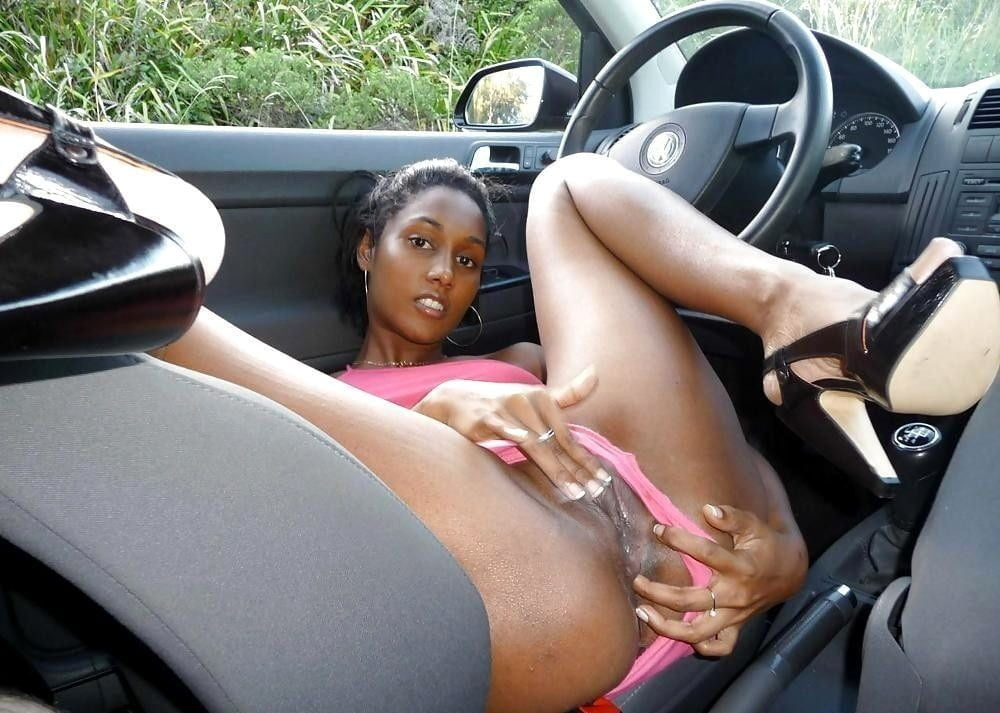 ebony-sex-car