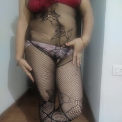 Lady Sonia On Sexy Pose In Stockings Hoty