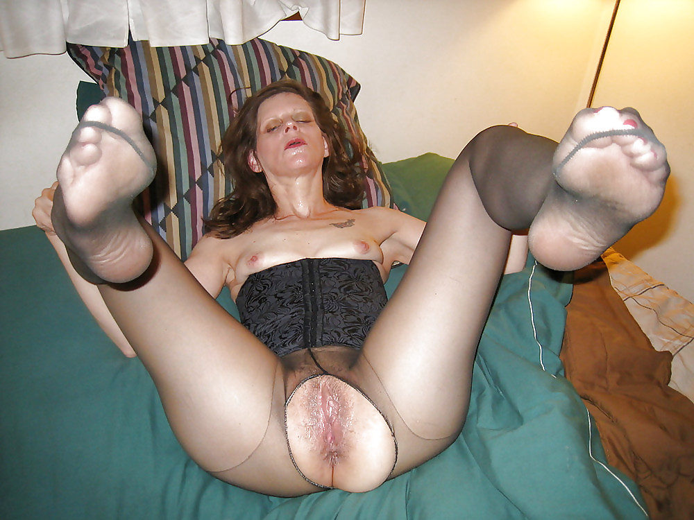 Mature pantyhose models