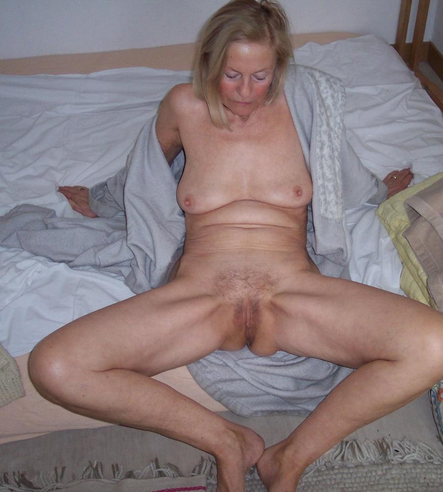 nude-amateur-ugly-mom-watch-katrina-pussy