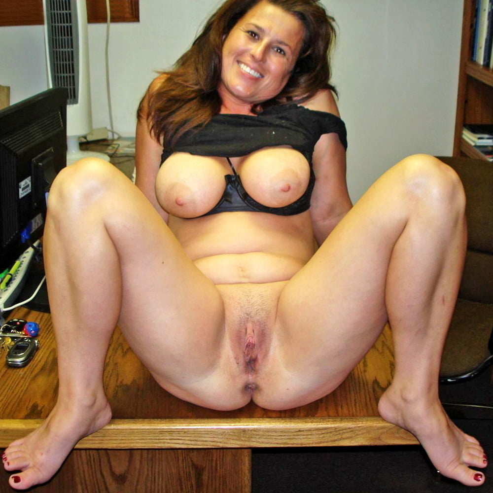 Redhead Housewife With Hairy Pussy And Big Tits Porn Galery Photo