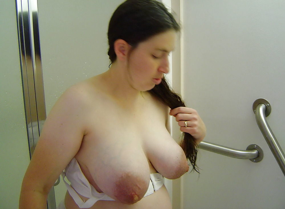 Housewife with amazing big natural boobs on webcam