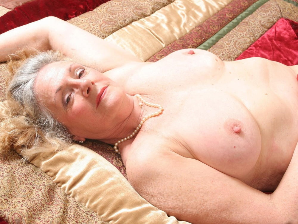 Erotic naked granny vintage clips
