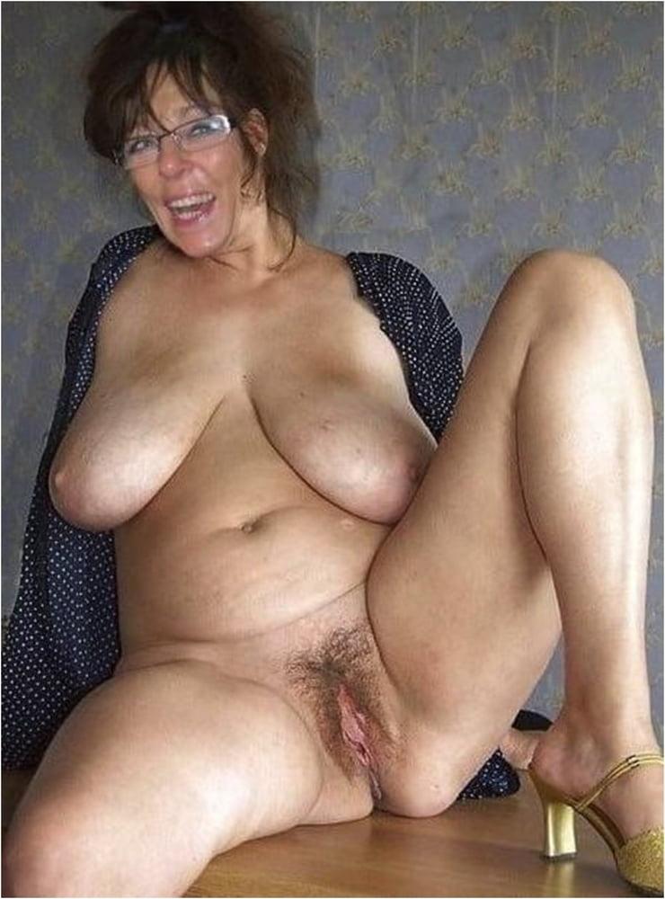 Lesbian Big Tits Wet Pussy