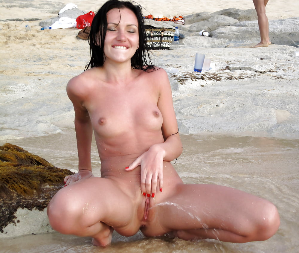 naked-women-peeing-in-sea-free-shemale-streaming-sex