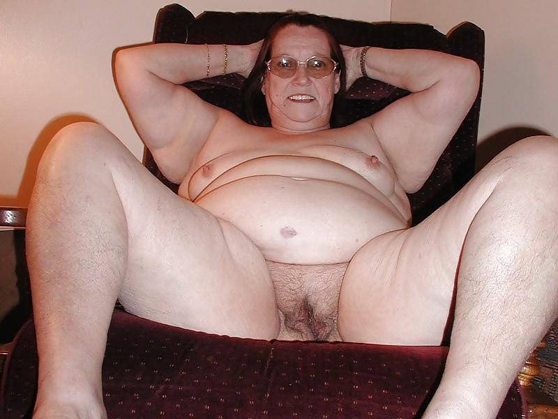 Старая кудрявая толстая шлюха фото, смотреть видео парень уткнулся в сиськи девушки