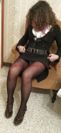 LadyMM, Italin Milf..Pink panty, dark-red shoes, black skirt