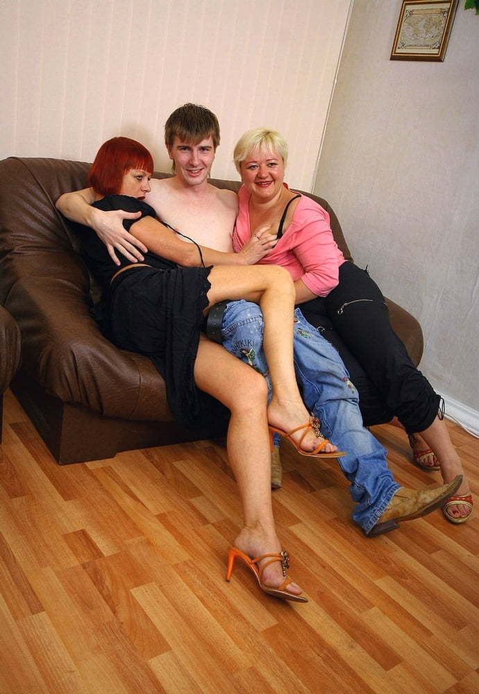 Russian momies prefer male cream - 93 Pics
