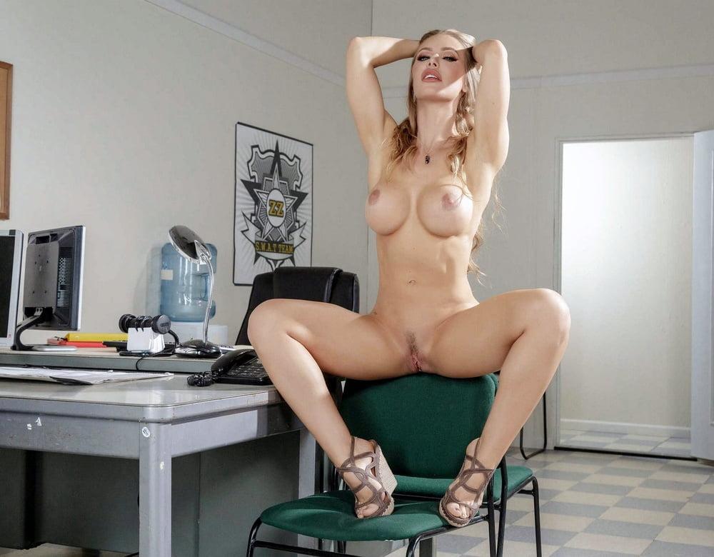 Nicole Aniston 3
